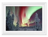 赤と緑のオーロラ 風景の写真 木製額縁 アートポスタ(30cmx40cm白色)