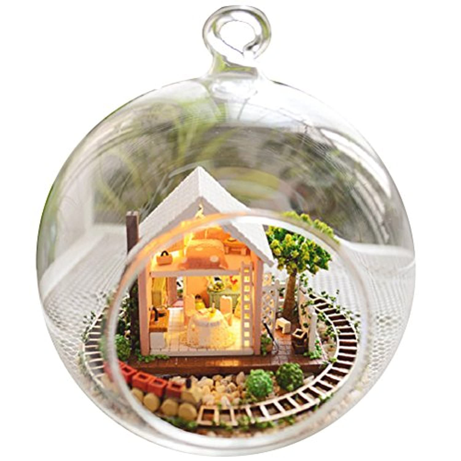 Zhhlinyuan DIY Handmade Assembling Cabin モデル Wooden Dollhouse with Garden Hanging Glass House Model Toy