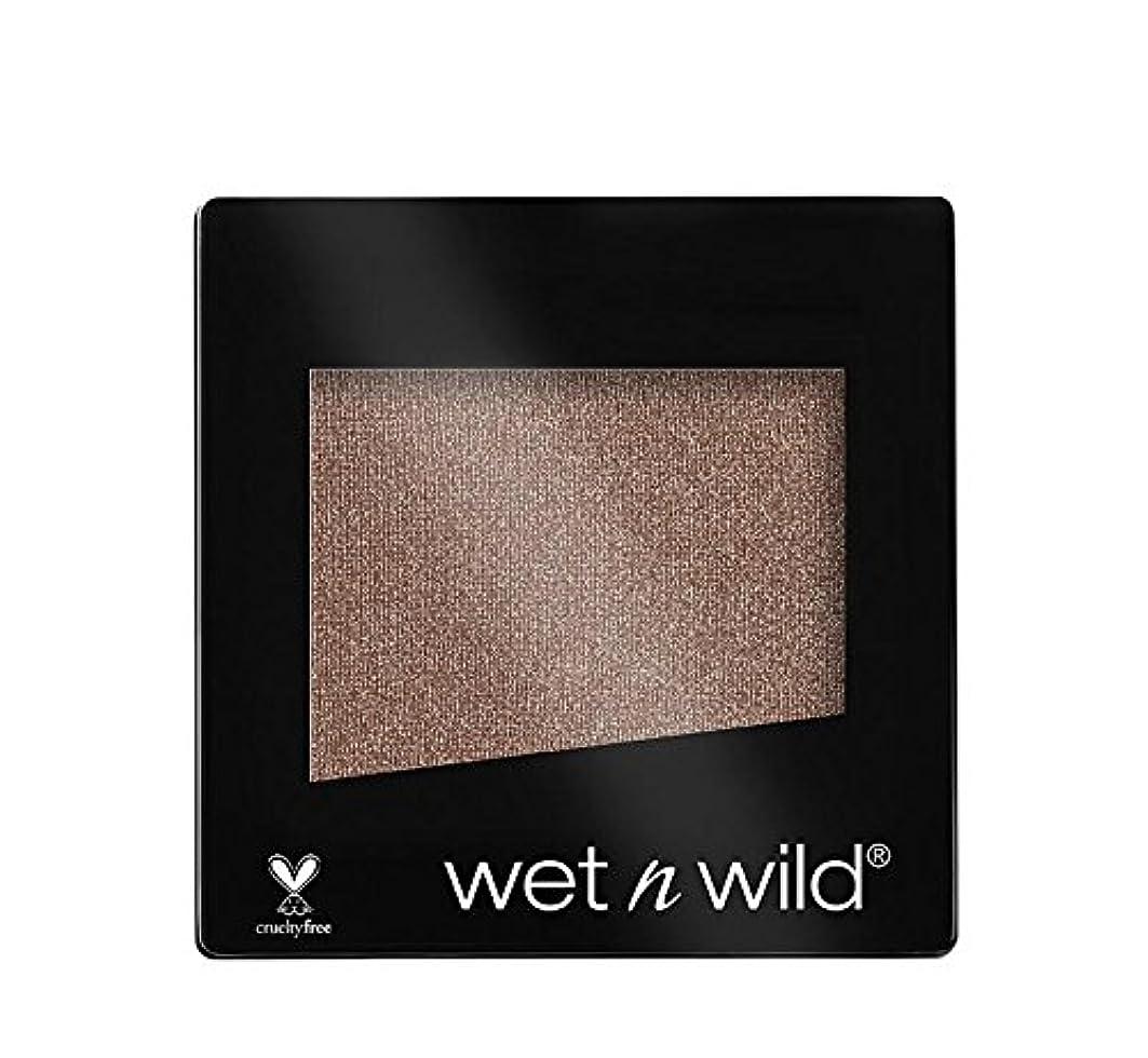 ホップほこりっぽい掃くWET N WILD Color Icon Eyeshadow Single - Nutty (NEW) (並行輸入品)