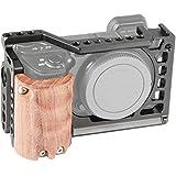 SmallRig Sony A6500専用ケージキット 右用木製ハンドル付き Sony Alpha A6500/ILCE-6500拡張カメラケージ DSLR 装備 軽量 取付便利 耐久性-2097