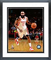 "James Harden Houston Rockets 2015–2016NBAアクション写真(サイズ: 18"" x 22"" )フレーム入り"