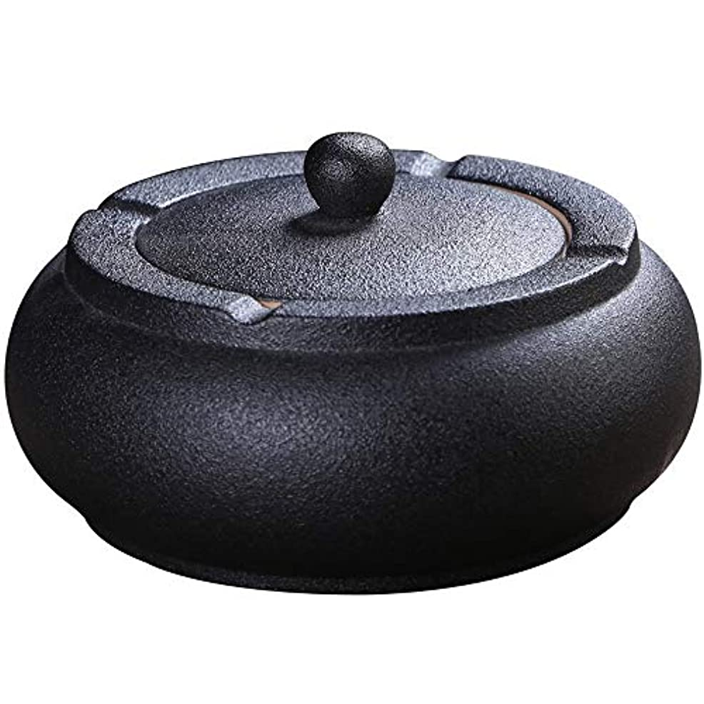 銀河購入レイふたが付いている陶磁器の灰皿、防風、喫煙者のための灰のホールダー、ホームオフィスの装飾の黒のためのデスクトップの喫煙灰皿