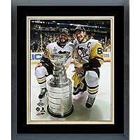 Kris Letang Sidney Crosby Pittsburgh Penguins 2017 Stanley Cupフォト(サイズ: 22.5