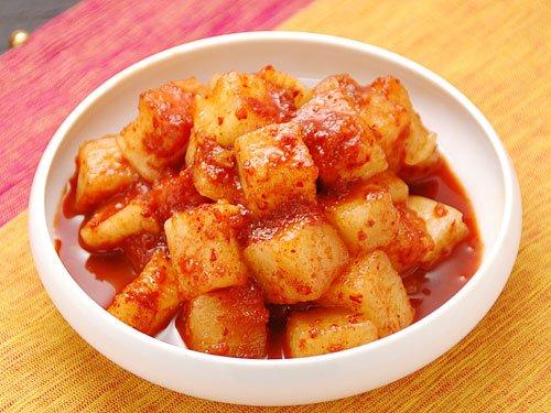 【冷蔵限定】本格韓国大根キムチ 1kg(袋入り)(カクテキ、カクテギ)