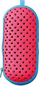 [商品スペック]●材質 : EVA●サイズ :  Mサイズ:長さ185mm/横幅75mm/深さ60mm →大人用スイミングゴーグル収納可能●原産国 : 中国製[商品詳細]水がきれる、キズからまもる、スイミングゴーグル用ケース。スイムゴーグルの携帯に便利なスワンズのゴーグルケース。ファスナータイプ。ケースに入れることでレンズに直接物が触れるのを防ぎ、通気性のある穴が開いて水切りも抜群です。曇り止め液を一緒に収納できるホルダー付き。別売りのカラビナを付ければスイマーズリュックなどに付けることもできま...