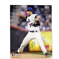 MLBニューヨークメッツDillon GeeピンストライプジャージーPitching垂直写真、6 x 20インチ