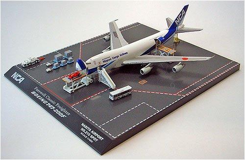 ダイキャスト完成品 1/400 B747-200F JA8188 カーゴローディング GSE付き