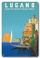 22cm x 30cmヴィンテージハワイアンティンサイン - ルガーノ - 南スイス - ルガーノ湖 - ビンテージな世界旅行のポスター によって作成された レオポルド・メトリコヴィッツ c.1958