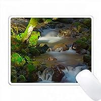 アメリカ合衆国、オレゴン州のオレゴンカスケードにある小さな支流。 PC Mouse Pad パソコン マウスパッド
