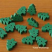 【60個入・グリーン・11mm x 14mm】木製のボタン・常緑樹・クリスマスツリー・木・ツリー・2つ穴・手作り・ハンドメイド用・衣服・装飾・DIYの縫製・編物・ニット・副資材・手芸素材・クラフト・#BN19016
