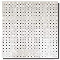 有孔ボード白ハーフ(4ミリ厚x横900ミリx縦900ミリ)穴径5ミリ穴ピッチ25ミリ 1枚入