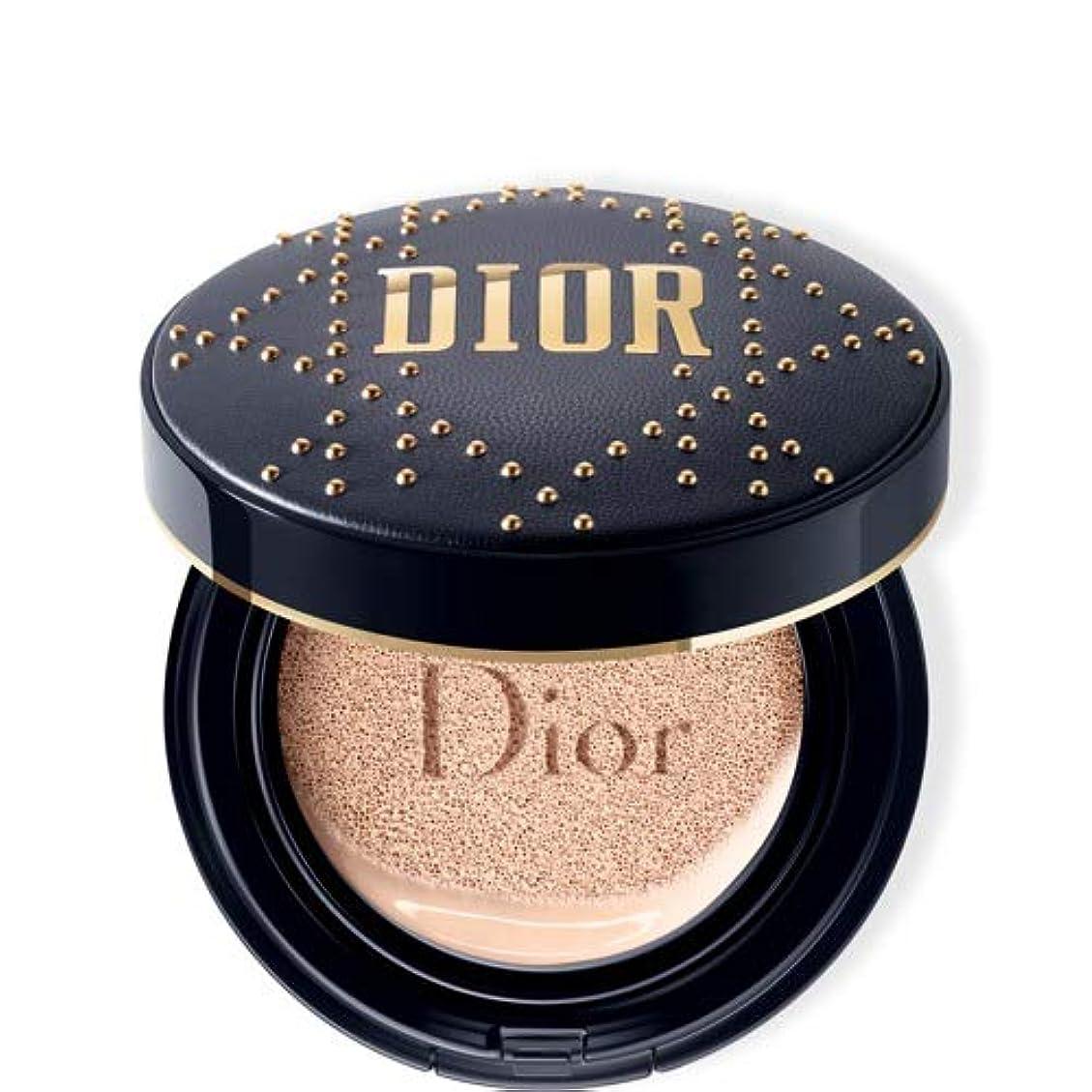 罹患率テスト火山学Dior ディオールスキン フォーエヴァー クッション - 限定スタッズ カナージュ ケース #010