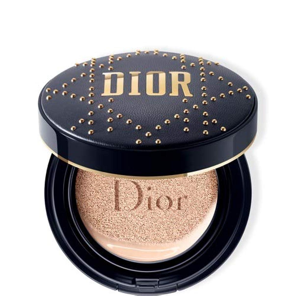 刈り取る満足させる修理可能Dior(ディオール)スキン フォーエヴァー クッション - 限定スタッズ カナージュ ケース #020