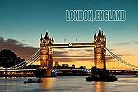 【イギリスの風景ポストカード】地名入り「LONDON, ENGLAND」朝焼けのタワーブリッジ