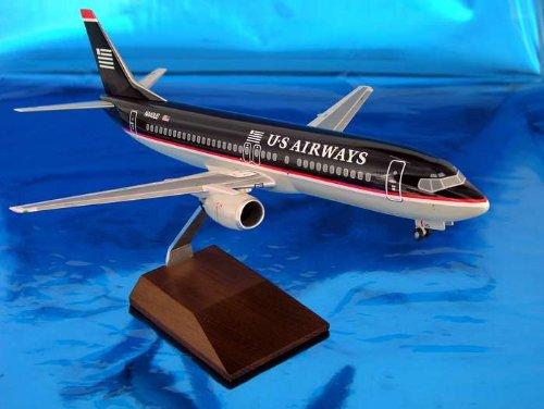 1: 100 スカイマークスSuprem US 航空 ボーイング 737-400 Old Colors, with Landing Gear and Wood Display Stand (並行輸入)