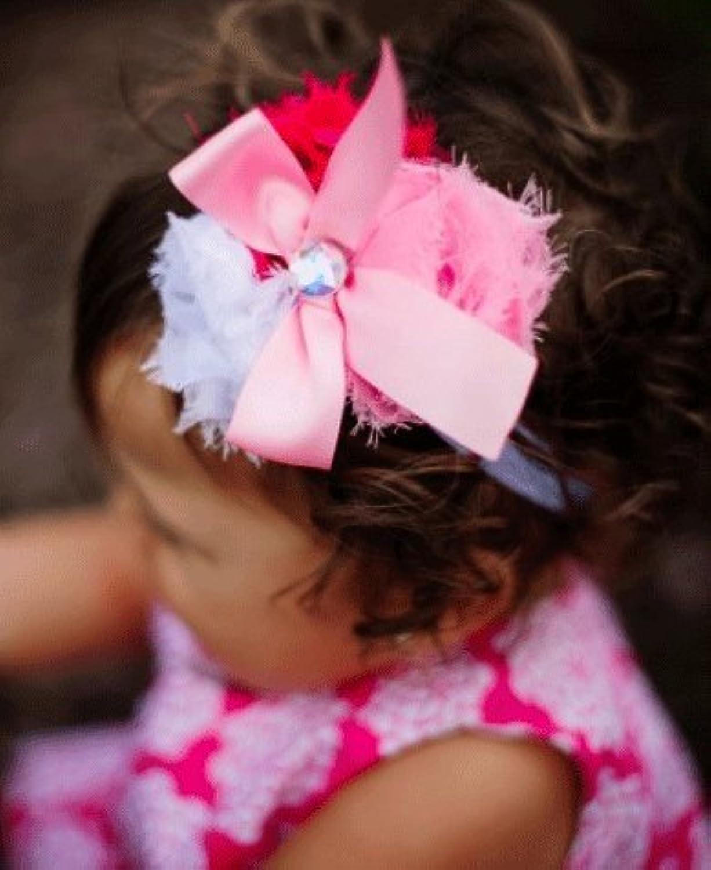ラッフルバッツ ヘッドバンド 3色お花とサテンリボンHeadband - Pink, White, Fuchsia Raw Rosettes ヘアバンド 0歳 1歳 2歳 結婚式セレモニー