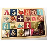 子供用アルファベット/数字木製ブロック。