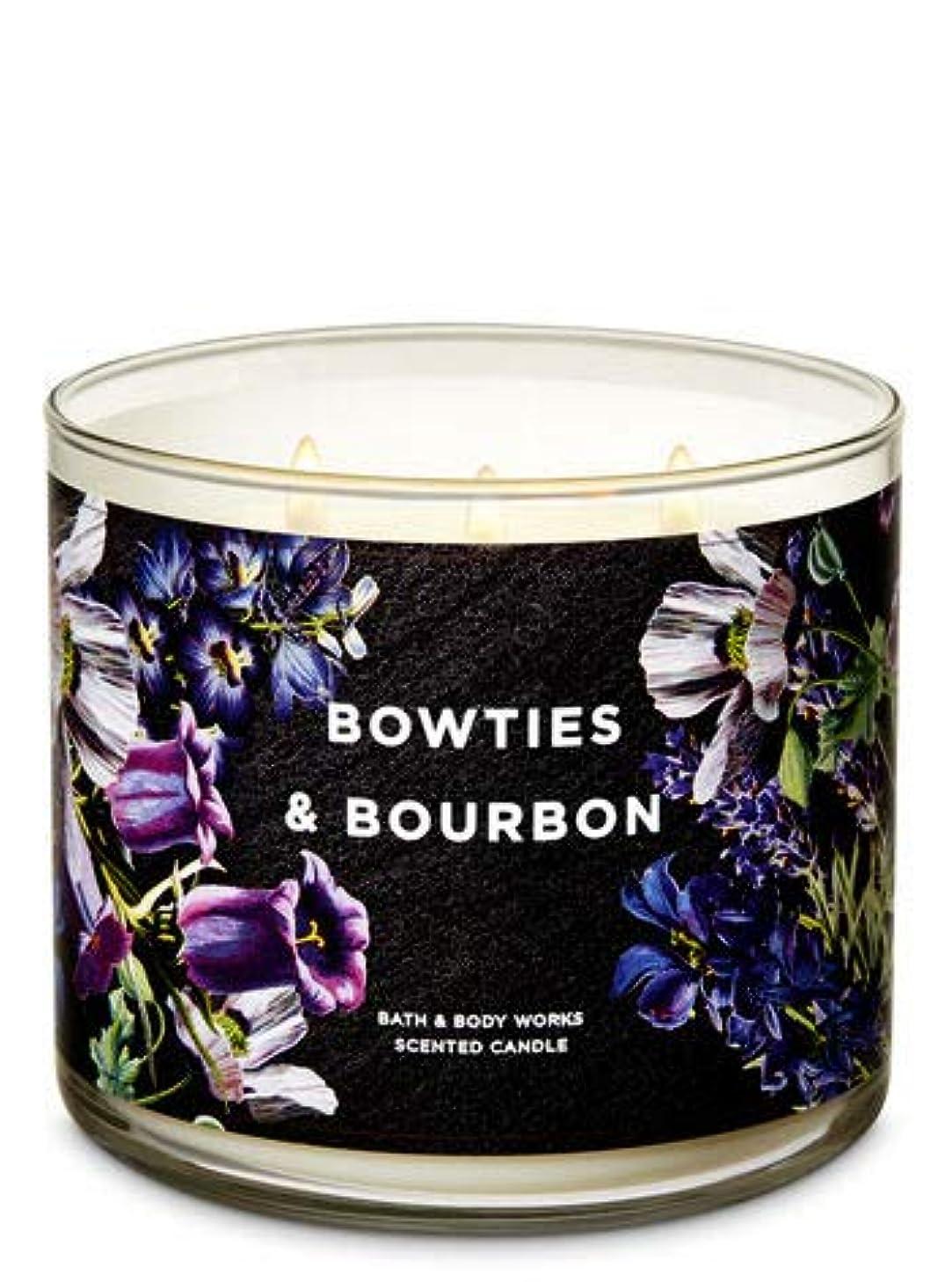 インストール現代光【Bath&Body Works/バス&ボディワークス】 アロマキャンドル ボウタイ&バーボン 3-Wick Scented Candle Bowties & Bourbon 14.5oz/411g [並行輸入品]