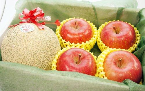 果物 ギフト メロン と りんご 北海道産 赤肉メロン 青森県産 ふじりんご