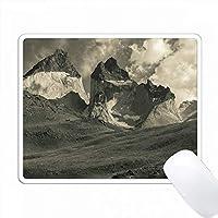 チリ、マガラネス地方、トレスデルペイン国立公園、風景。 PC Mouse Pad パソコン マウスパッド