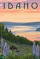 アイダホ州–湖とBear Family 16 x 24 Signed Art Print LANT-68777-709