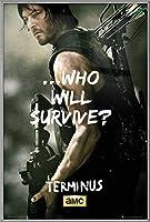 "The Walking Dead–TV Showポスター/印刷( Daryl Dixon–Who Will Survive)(サイズ: 24"" x 36"" ) 24"" x 36"" Silver Aluminum Frame"