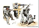 NEW MAN DOWN US MODERN ARMY, MIDDLE EAST, PRESENT DAY 1/35 MASTER BOX 35170.