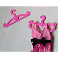 DSstyle 50 pcs Plastic Pink Hangers for Barbie Doll Dress Clothes Accessories Mixed Random Patterns