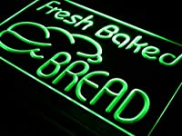ADVPRO Fresh Baked Bread Bakery Shop LED看板 ネオンプレート サイン 標識 Green 300 x 210mm st4s32-i512-g