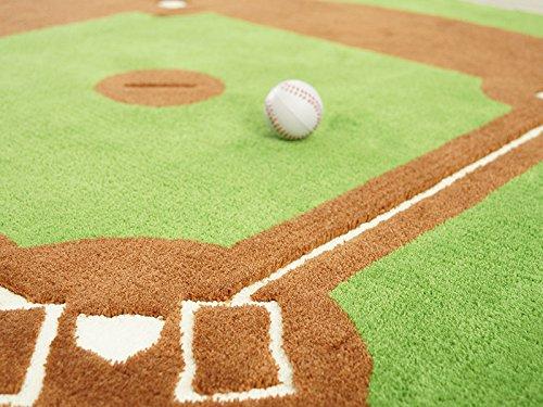 おうちの中がスタジアム!将来はプロ野球選手かサッカー選手かテニスプレイヤーか…