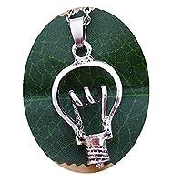 電球を電球のペンダントネックレス 電球の魅力、電球のシルエット 電球のネックレス