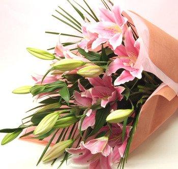 誕生日に贈る花束 プレゼント 花 ギフト 大輪系 ピンクユリの花束 15輪以上 ゆり 百合