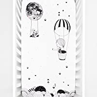 Rookie Humans 100% Cotton Sateen Fitted Crib Sheet: Frieda and the Hot Air Balloon. Complements Modern Nursery Use as a Photo Background for Your Baby Pictures. Standard crib size (52 x 28 inches). [並行輸入品]