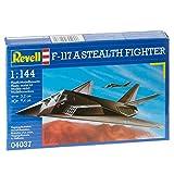 ドイツレベル 1/144 F-117 ステルス・ファイター 04037 プラモデル