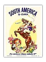 クリッパーによって南米 - パンアメリカン航空 - Boleadorasとアルゼンチンガウチョ - ビンテージな航空会社のポスター c.1950s - アートポスター - 23cm x 31cm