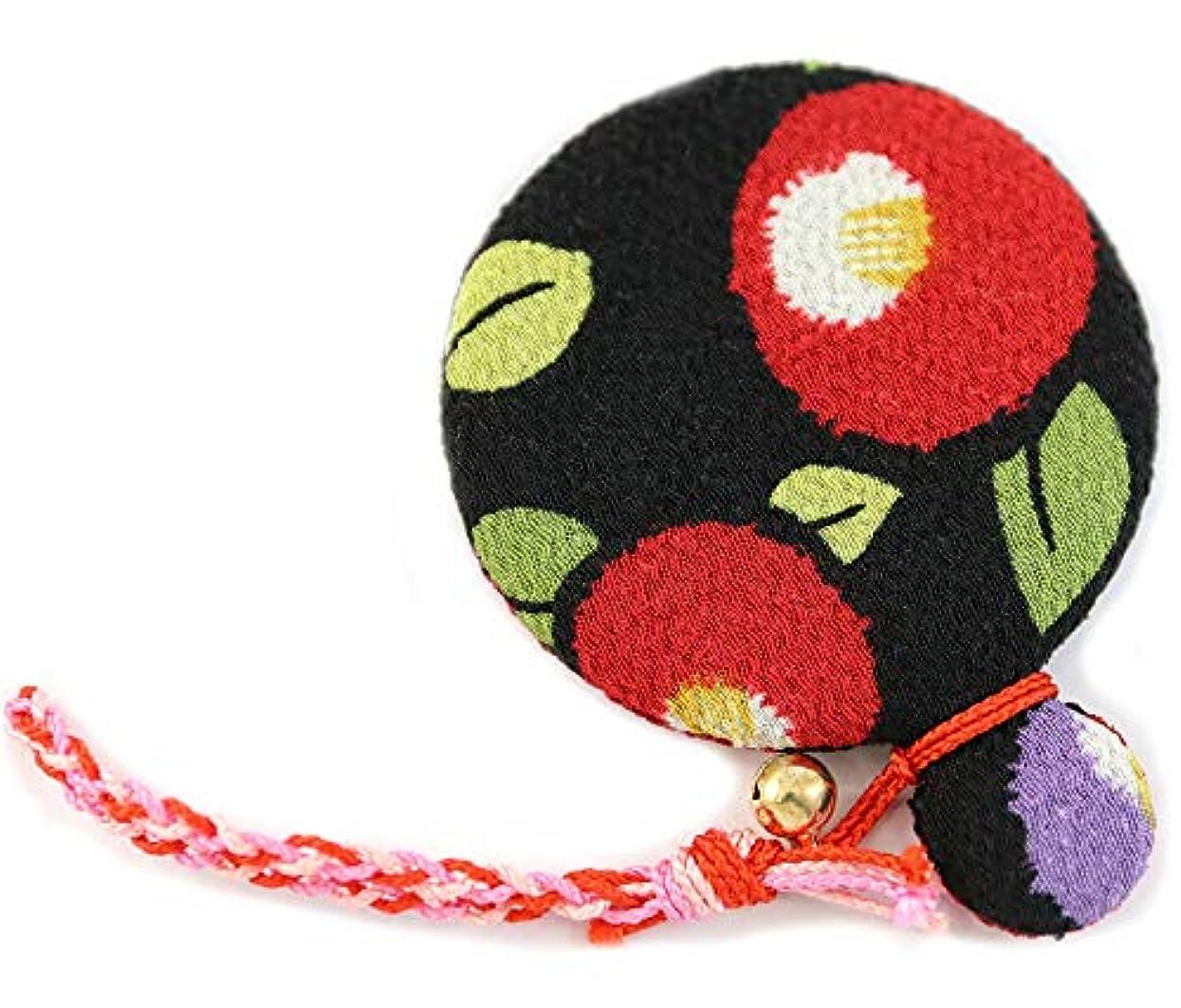 復活するまとめる食物ZOON(ズーン) 花ちりめん コンパクトミラー 黒椿 和柄 着物 ちりめん 生地 布製 まる鏡 日本製 お土産 黒椿