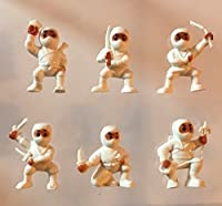 40 White Mini Karate Ninjas Warriors Fighters Figures Cupcake Cake Toppers Ninja Kung Fu Guys Martial Arts Men Lot Party Favors [並行輸入品]