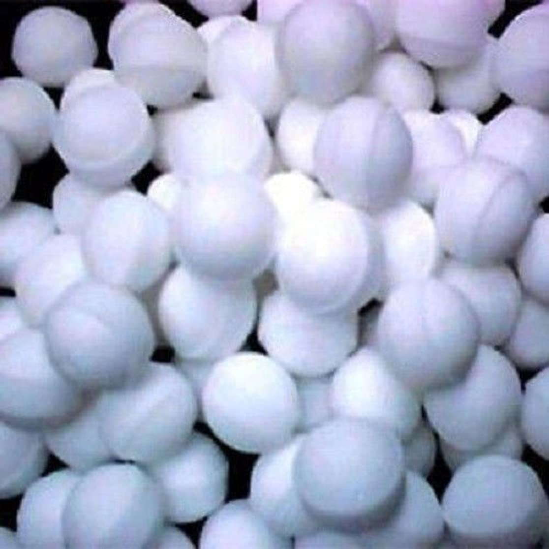 消費する苦痛レーニン主義Naphthalene Balls, Moth Balls,snow White,toilets,cupboards,books,cloth Mothballs- 50 Balls 100g Pack by Eagle...
