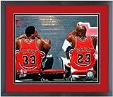 """マイケル・ジョーダン& Scottie PippenシカゴブルズNBAフォト12.5"""" X 15.5インチフレーム"""