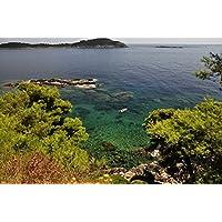 岩場の海岸に囲まれたボートビーチ - #51918 - キャンバス印刷アートポスター 写真 部屋インテリア絵画 ポスター 50cmx33cm