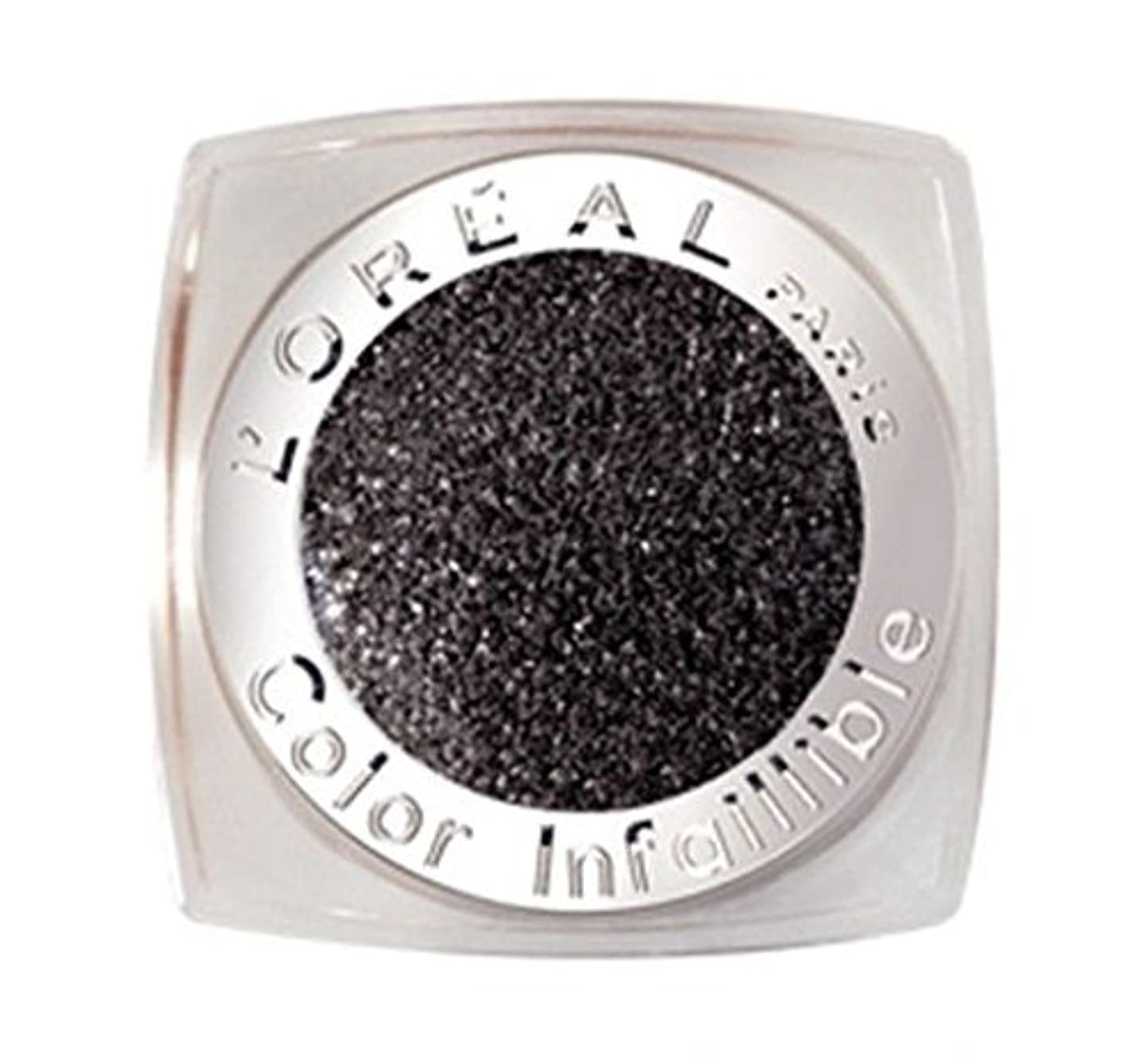笑い不屈砂のL'OREAL COLOR INFAILLIBLE EYE SHADOW - 014 ETERNAL BLACK