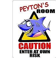 """Peyton Caution入力Sharkキッズ部屋ドア飾りサイン9"""" x12""""アルミ。"""