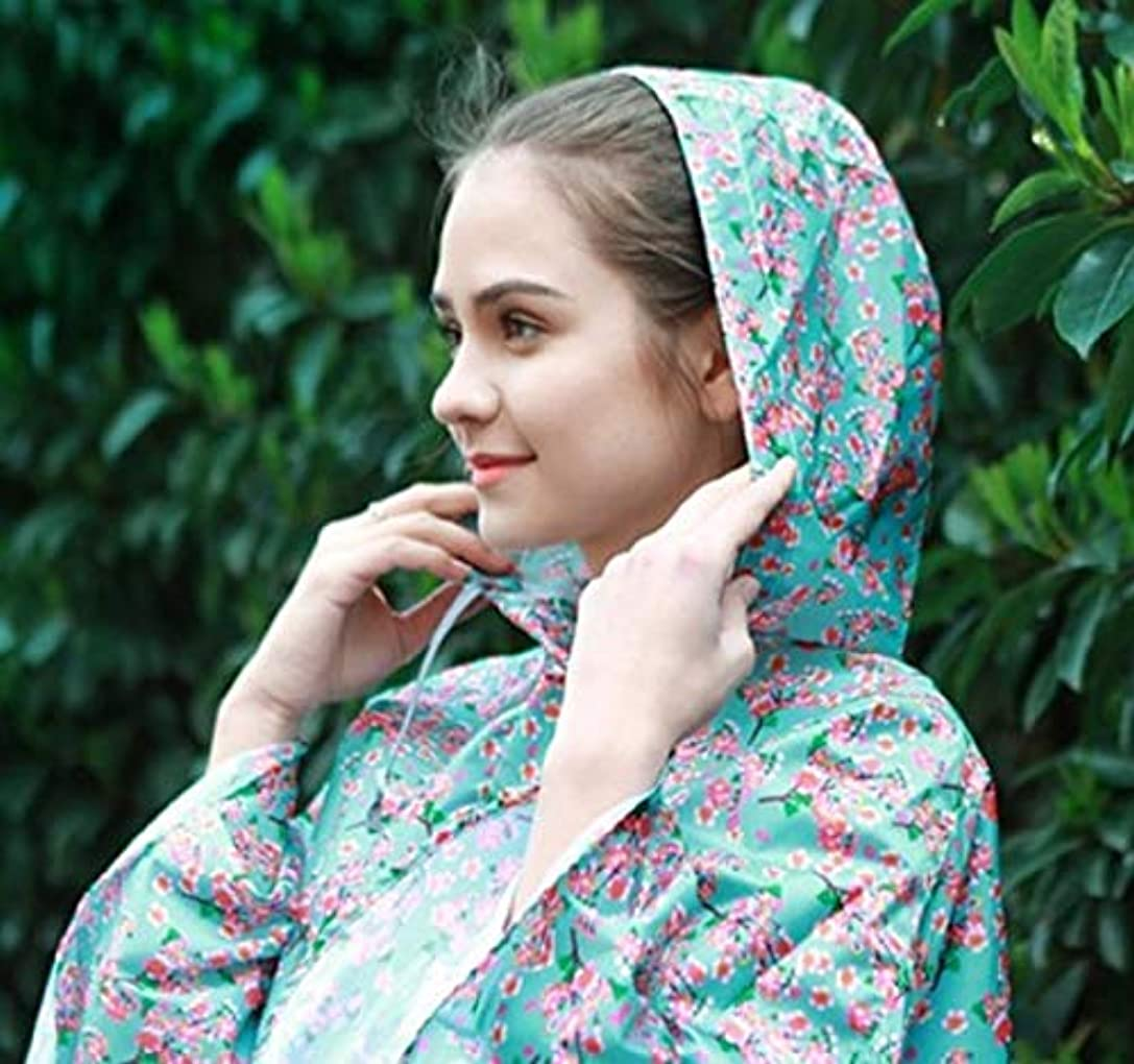 リングバック仮定半円レインポンチョ 花柄 雨の日も外出したくなる素敵なポンチョ 傘だけでは、洋服が濡れるので、簡単ポンチョでお出かけ 頭からすっぽりかぶるだけ 近所へお出かけに便利。
