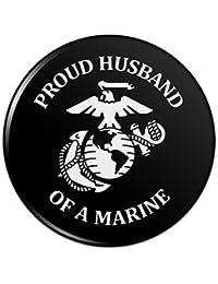海兵隊の誇り高き夫USMCホワイト?オブ?ブラックピンバックボタンピンバッジ - 1