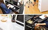 鏡面仕上げのスタイリッシュなPCデスク。スライドトレーを設置しているのでデスク部分は広々と開放的です。ハイタイプ ブラック