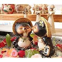 信楽焼 ウエディング 【キス狸ペア ta-0220】 しがらきハンカチパッケージ 信楽焼き 陶器 しがらきやき たぬき タヌキ 置物 置き物 おきもの 縁起物 進物 ギフト プレゼント 結婚 カワイイ 可愛い かわいい Wedding