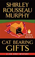 Cat Bearing Gifts (Joe Grey Mystery Series)