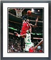 """レブロン・ジェームズMiami Heat NBAアクション写真12.5"""" X 15.5インチフレーム"""