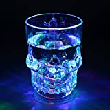 LEDセンサーネオングラス 飲み物を注ぐとLED内蔵のグラスがレインボーカラーに点滅!光る グラス コップ/誕生日 / 結婚式の2次会 / パーティー/ハロウィン / クリスマス/歓迎会 / などのイベントにも!! (髑髏(ドクロ) スカルジョッキグラス)