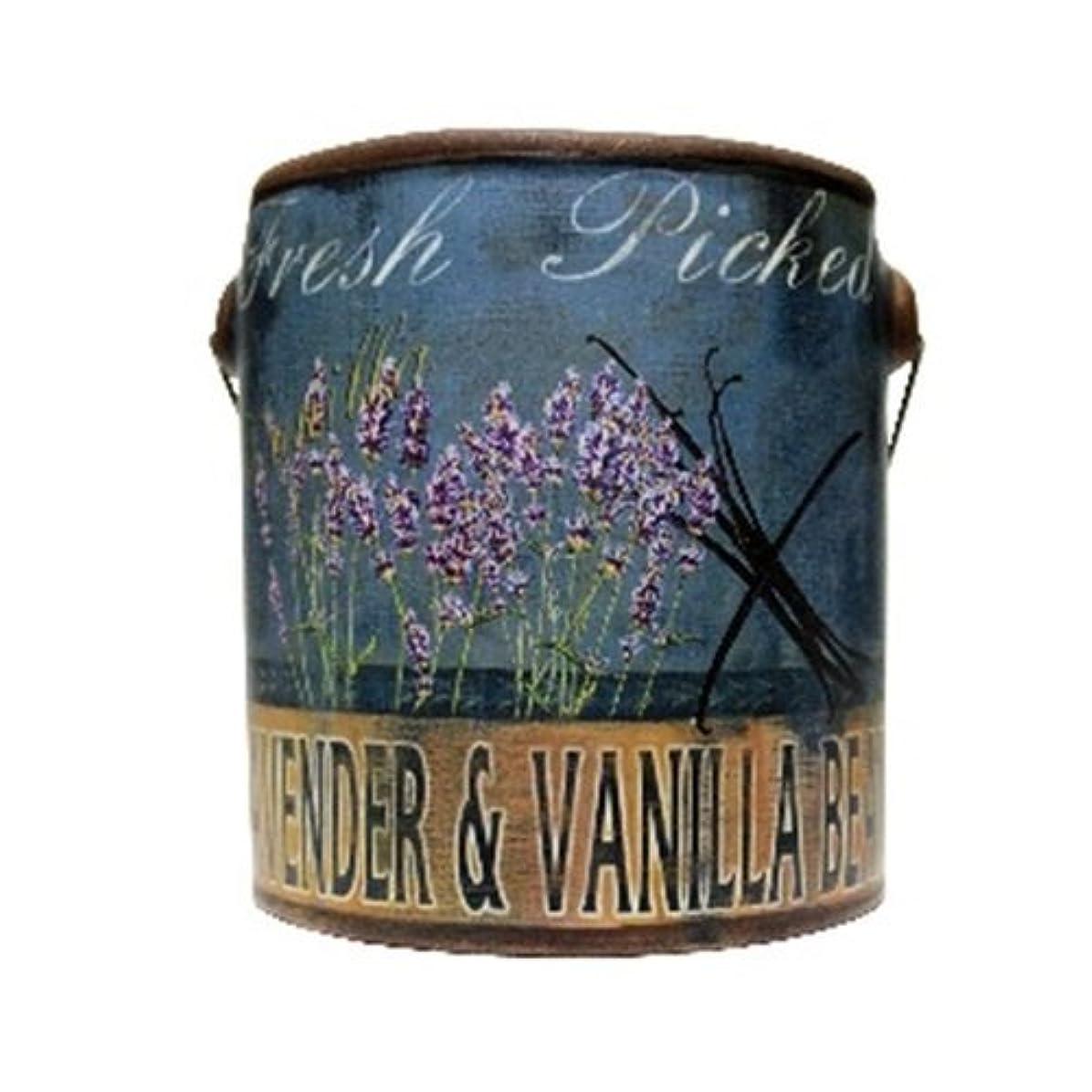 遠足付添人ゆるいA Cheerful Giver Lavender Vanilla Farm Fresh Candle 20 oz [並行輸入品]